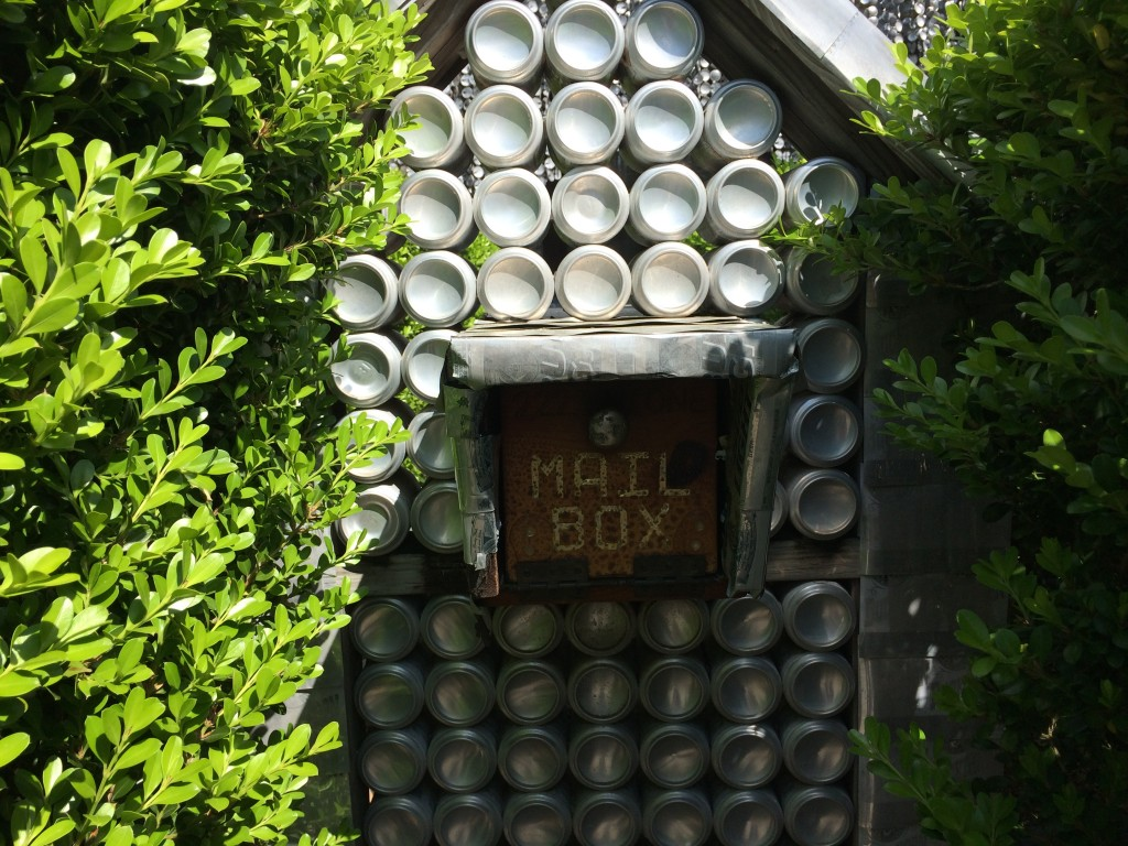 Beer Can House Mailbox